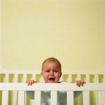 תינוק בוכה בלול