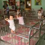 ילדים בבית יתומים