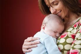 מגע אם תינוק